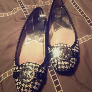 Michael Kors Houndstooth Flats Almost New 7 1/2